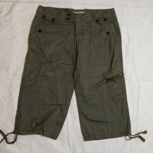 Steve & Barry's Capri green pants size 8